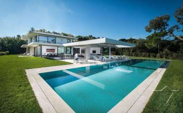 Luxury St. Tropez Villa Margot pool view