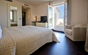 Saint Tropez Luxu Villa Les Marres bedroom view