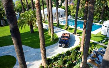 Luxury Villa Rental Chateau St Tropez, Center driveway