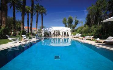 Luxury Villa Rental Chateau St Tropez, Center pool