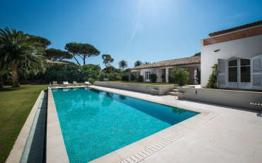 Villa Saint Tropez Luxury Charlene-04 pool