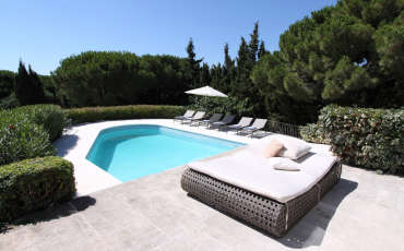 Villa Saint Tropez Luxury Nikki lounge