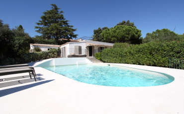 Villa Saint Tropez Luxury Nikki pool