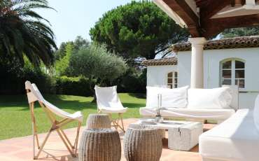 Luxury Saint Tropez Villa Esprit deck