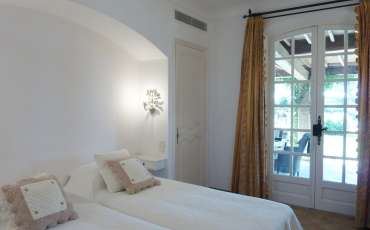Luxury Saint Tropez Villa Julie bedroom 2