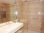 rent-villa-saint-tropez-palmiers-shower