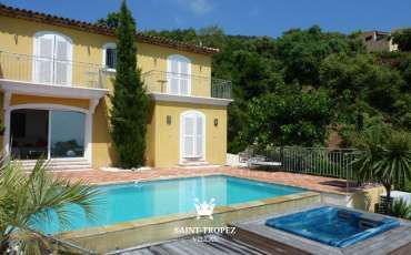 SaintTropezVillas Villa Riche frontview